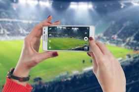 woman hand smartphone technology